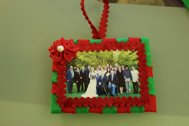 The handcrafted life fail scarf and felt picture frame for Poinsettia christmas tree frame