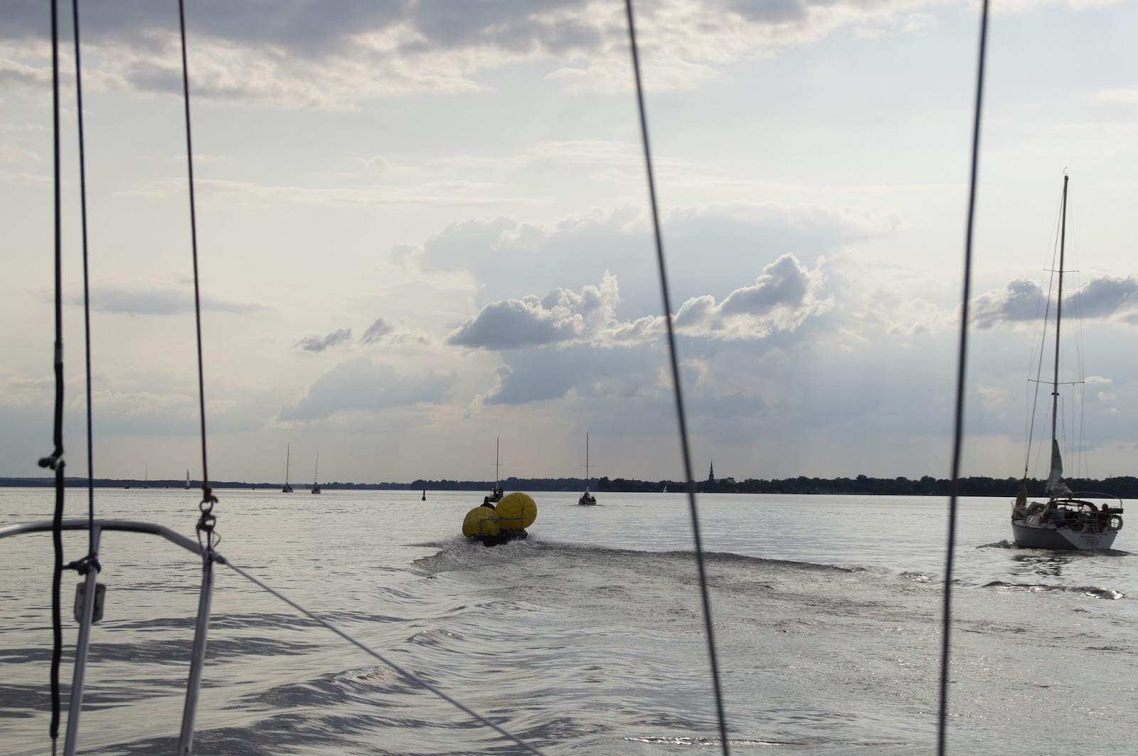 Montreal sailing july 2014 for Club piscine pointe claire