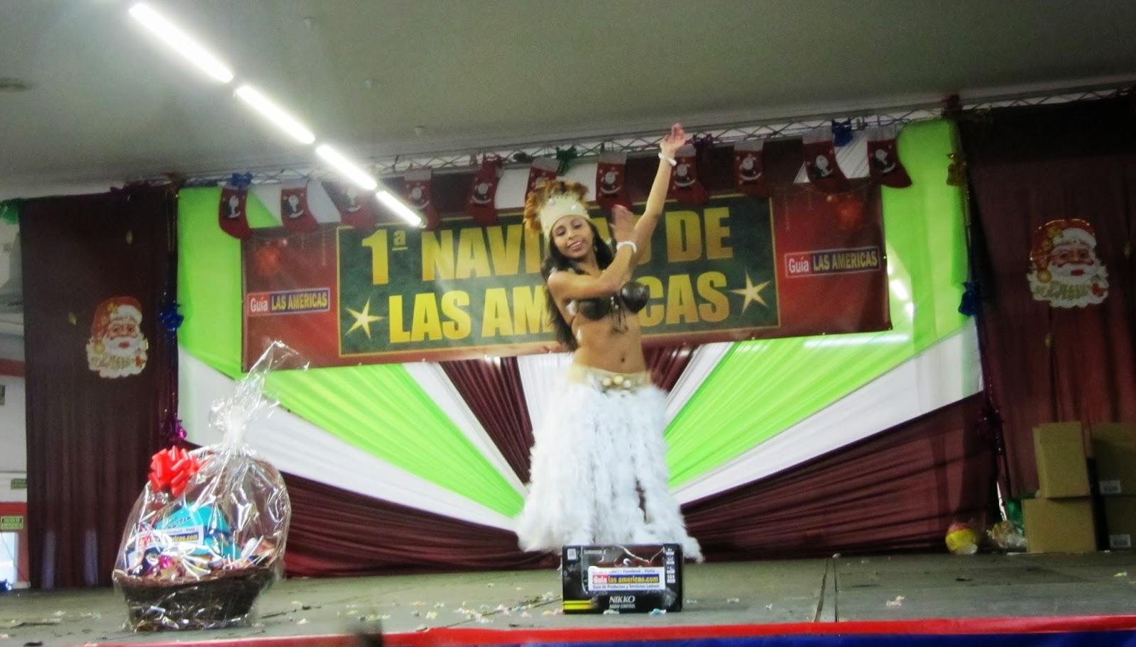 Foto Loana Caballero danzando en la Navidad de las Américas