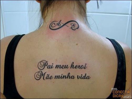 Tatuagens Femininas nas costas com nomes, letras e escritas