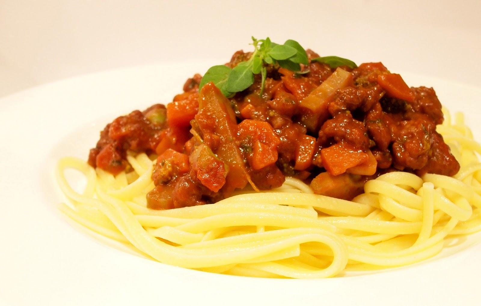 vgnfdlvr: Vegan Spaghetti Bolognese