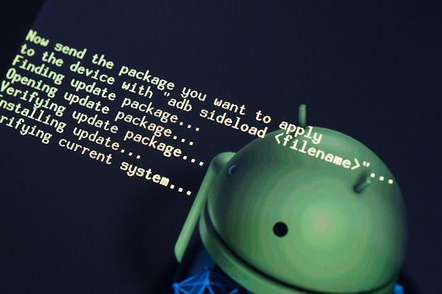 """Para poder llevar acabo el rooteo de un dispositivo Android es necesario tener instalado los drivers, para eso es suficiente instalando los programas PC Suite de cada dispositivo, pero koush, creador de Clockworkmod creo una forma diferente de hacer esto. Según el creador, afirma lo siguiente: """"funciona en todos los teléfonos Android y todas las versiones de Windows"""". Para la instalación es un pequeño paquete que pesa unos cuantos megas. Con esto el teléfono sera reconocido perfectamente a la hora de utilizar los drivers ADB que normalmente debemos instalar, como ya se dijo, con los PC Suite o con el"""