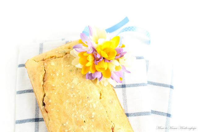 Medvehagymás kukoricás piskóta-kenyér