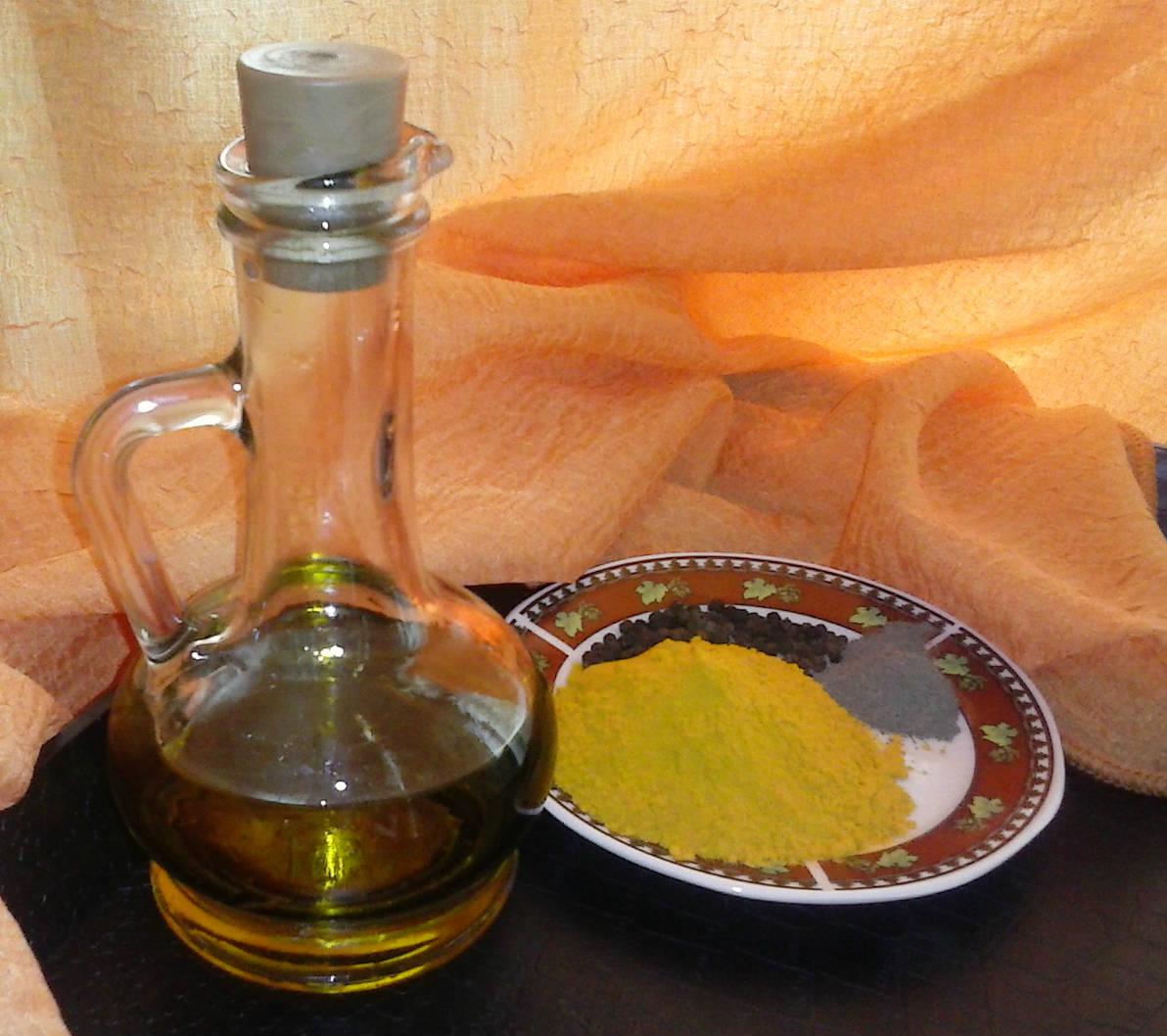 gurkmeja svartpeppar olja