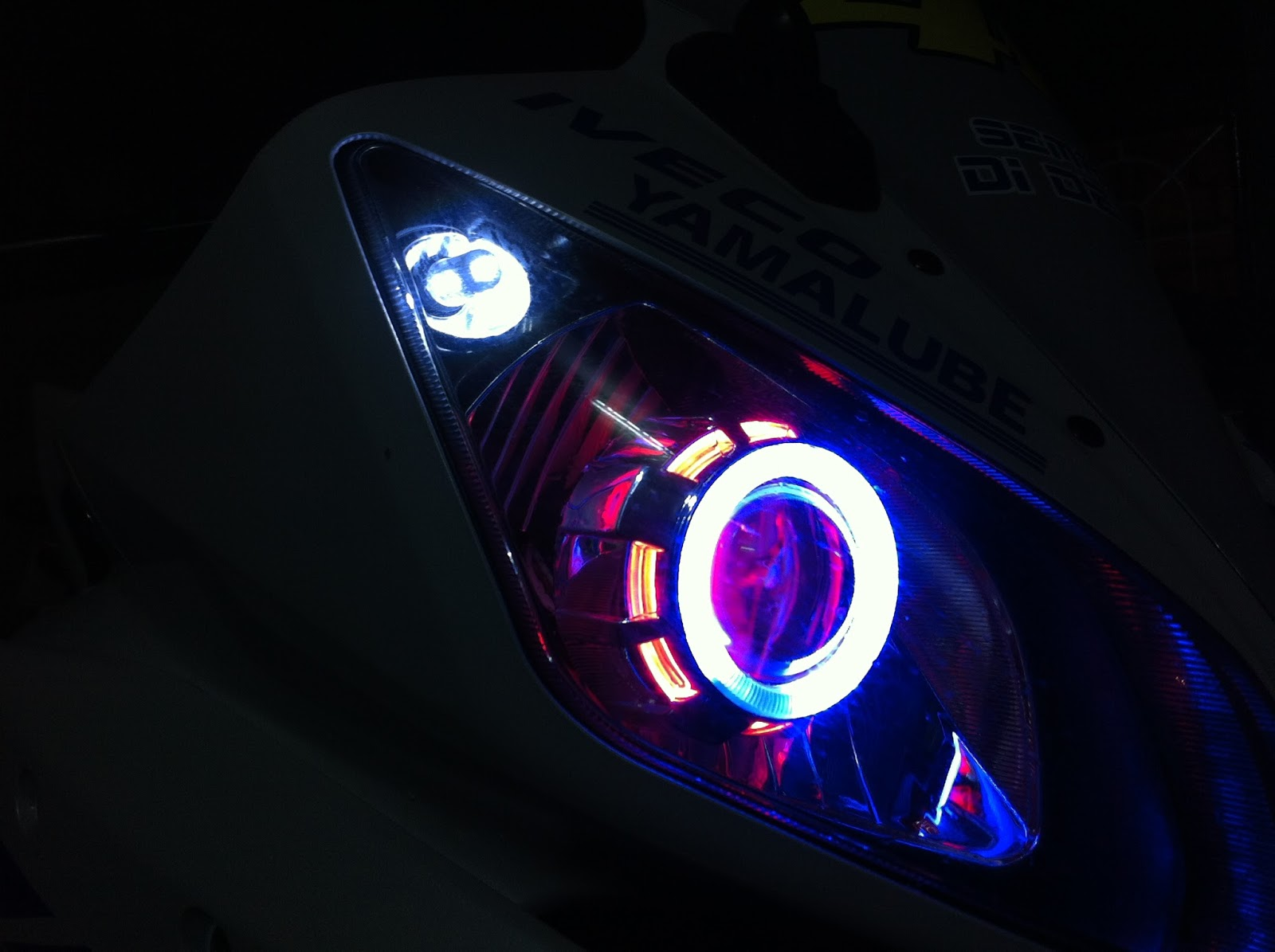 R15 V2 Modified With Projector Lights Angel Eyes | Ya...