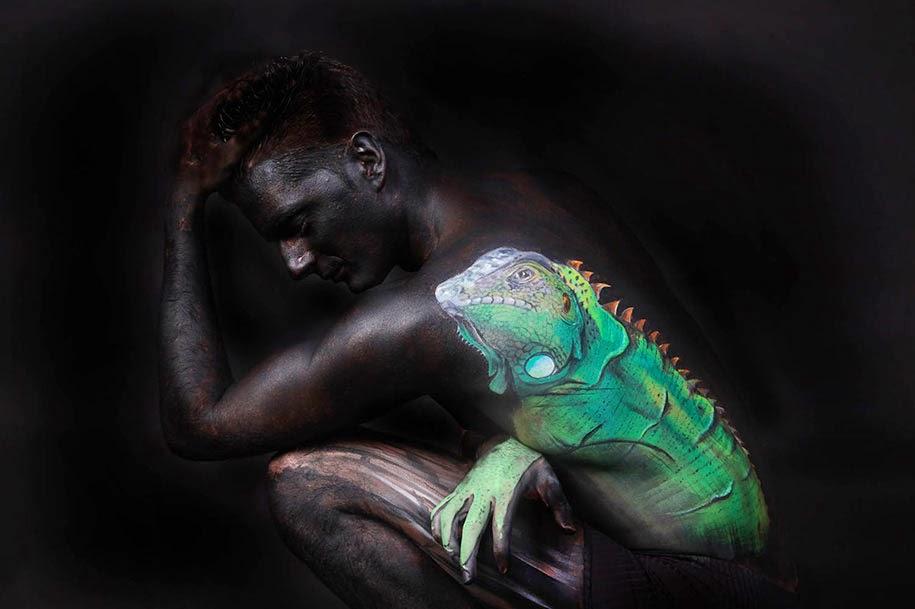 Lukisan Tubuh Manusia Merubah Orang Menjadi Hewan REPTIL