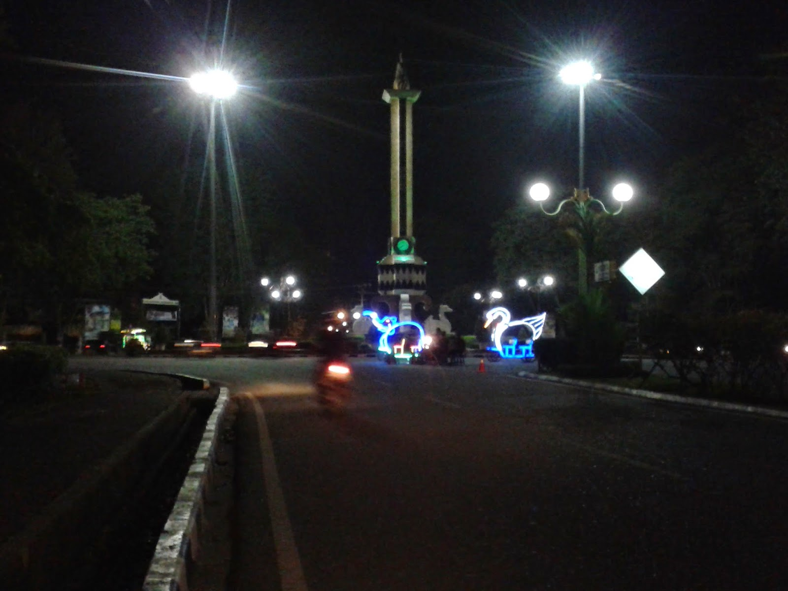 Image result for tugu monas kota jambi