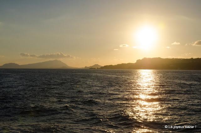 Naples - les îles - coucher de soleil