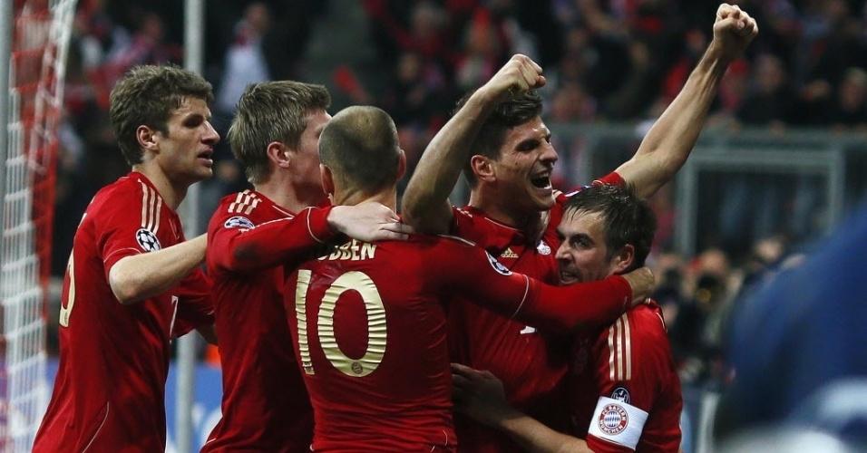 Jogadores Do Bayern De Munique  Emoram O Gol Da Vitoria Do Time No