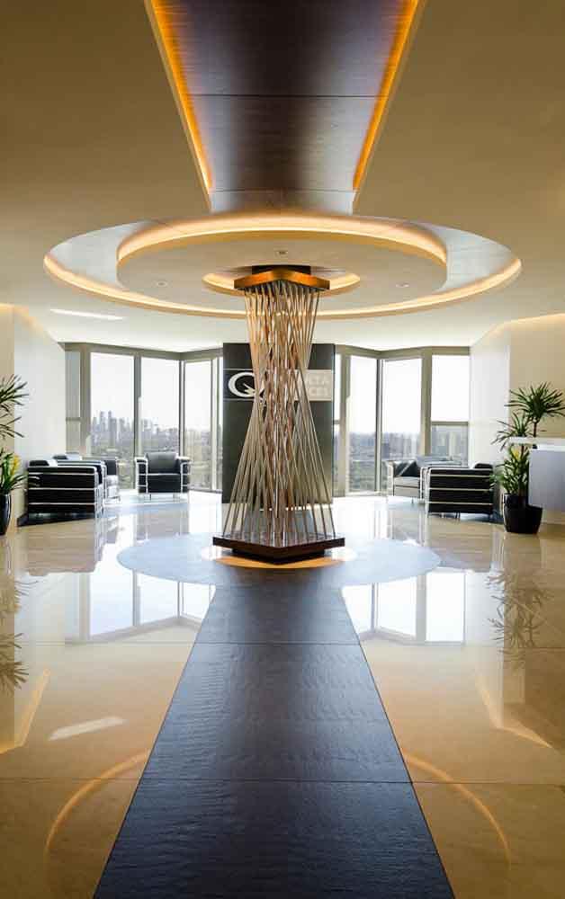 Podio quanta services por art arquitectos art a id llc for Diseno de oficinas administrativas