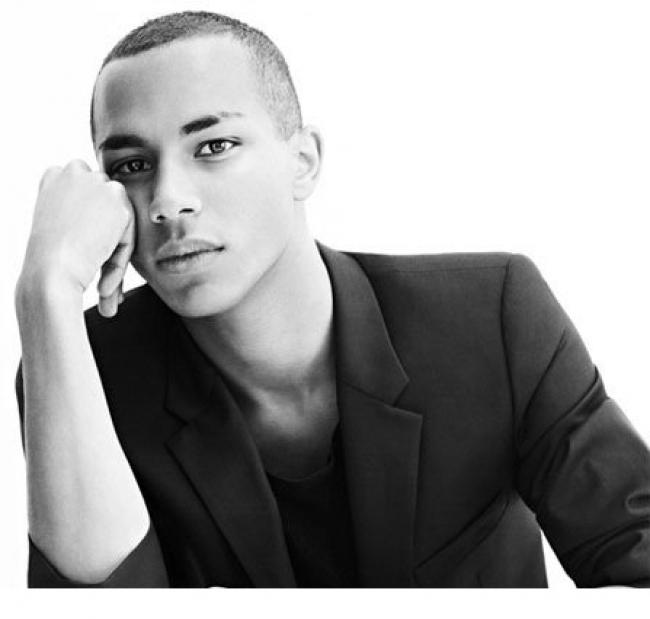 olivier rousteing directeur artistique de balmain timodelle magazine. Black Bedroom Furniture Sets. Home Design Ideas