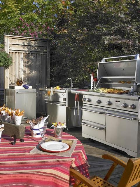 Desain Dapur dengan Peralatan Stainless Steel