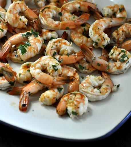 Garlicky-Grilled-Tequila-and-Lime-Shrimp-tasteasyougo.com