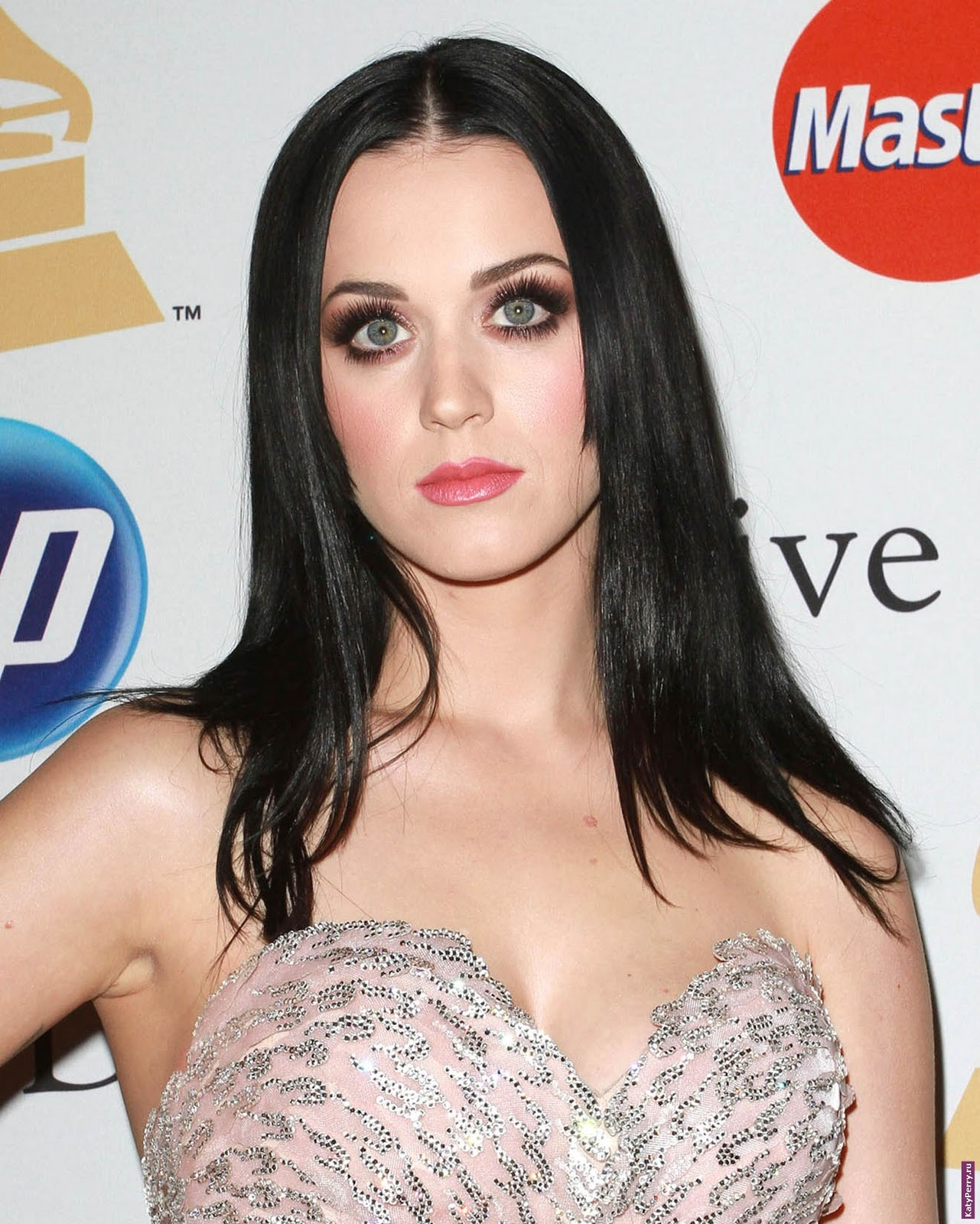 http://1.bp.blogspot.com/-kLN9muPWRx4/TuW0j4gqWVI/AAAAAAAABH4/jXJo_j9rEWk/s1600/Katy-Perry-music-photos-pics-dresses-pictures-lyrics+%25282%2529.jpg