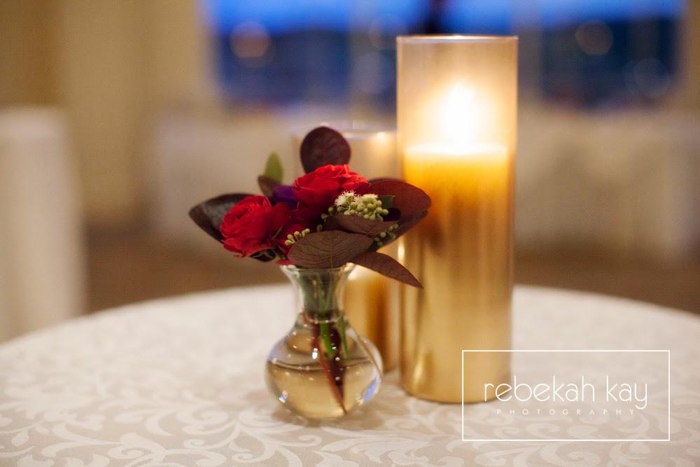les fleurs : rebekah kay photography : granite links country club : red and purple : gold ombre vase : gold candle