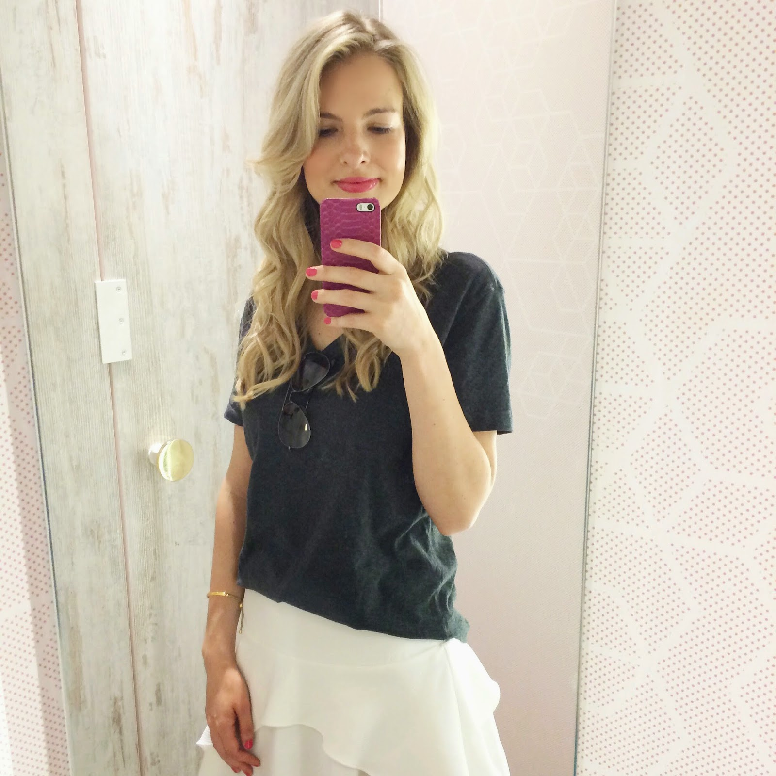 caese we love, gap, hm trend, hm trend white skirt, hm asymmetric skirt, pink phone case, selfie, fashion blogger
