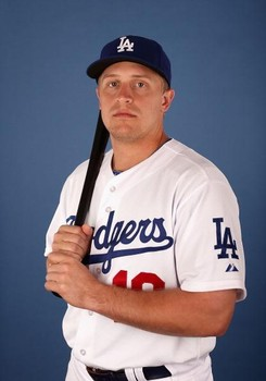1d396b90328 Dodgers place Matt Kemp on the disabled list  recall Tim Federowicz