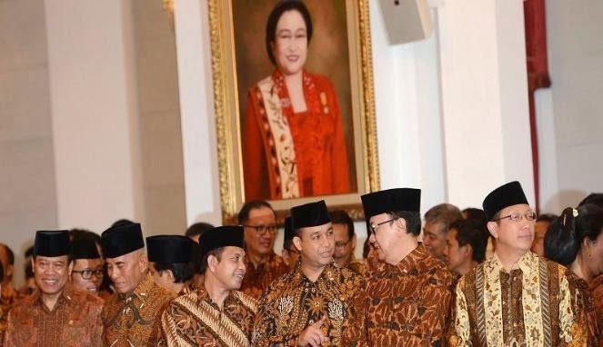 Sepanjang Sejarah, Baru Kali Ini Pelantikan Kabinet Pakai Batik