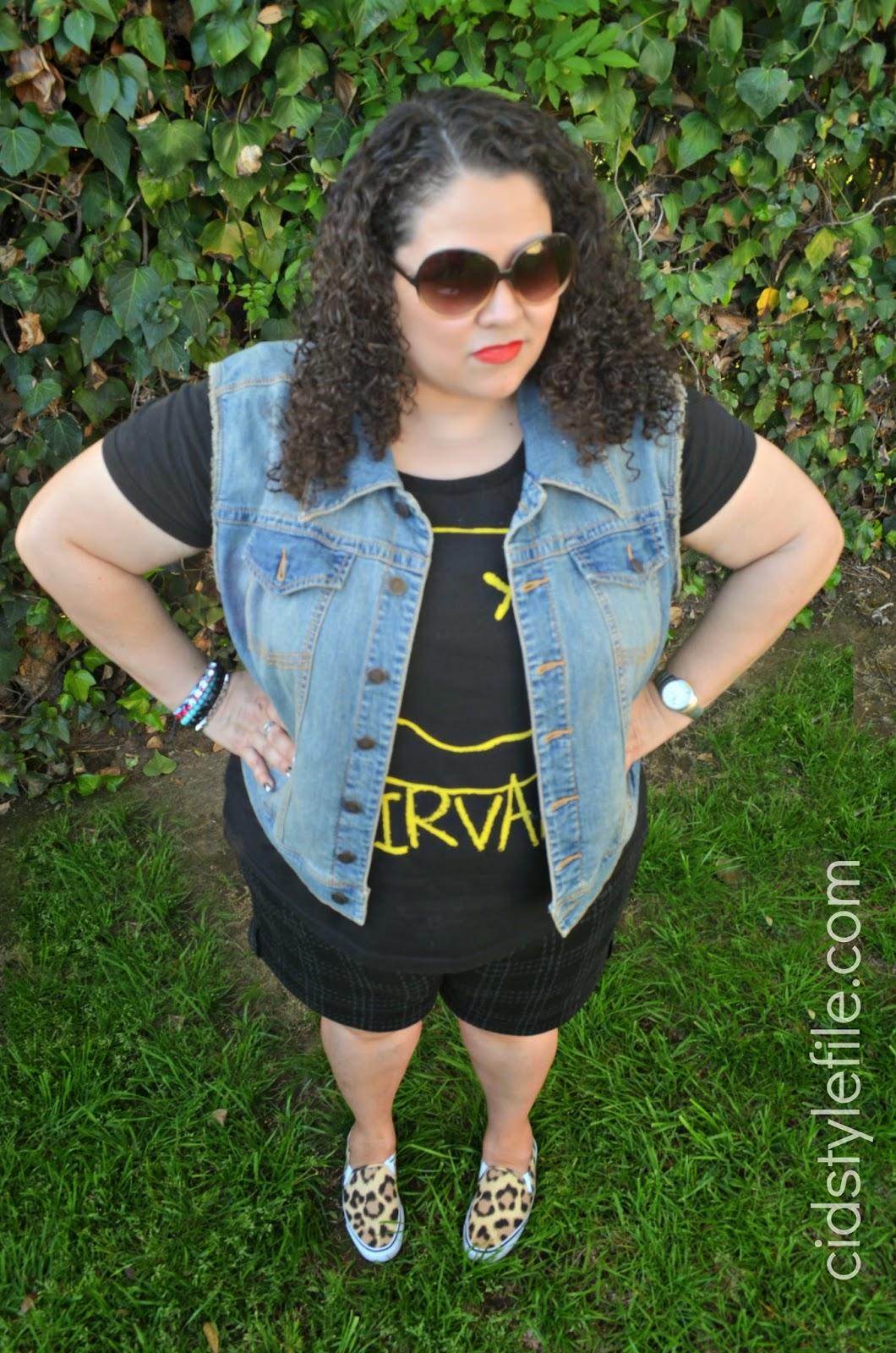plus size fashion, tshirt, rock tee, nirvana, nevermind, denim vest, plus size blogger, leopard slipons,