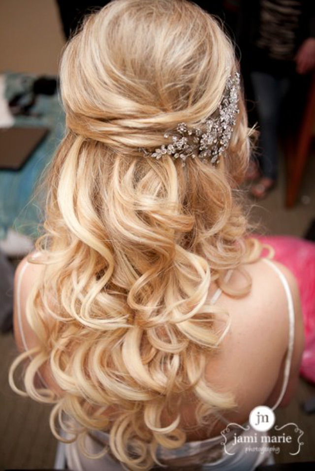 Bridal hairstyle of : Wedding hairstyles for medium length hair half up down