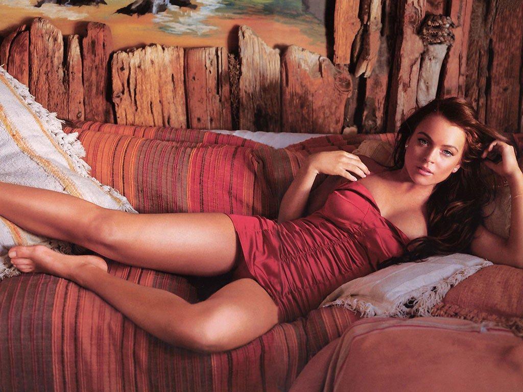 Lindsay Lohan Hot Pics Hub