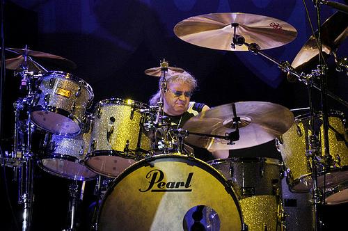 10 Drummer Terbaik dan Terhebat di Dunia (versi majalah Modern Drummer ...