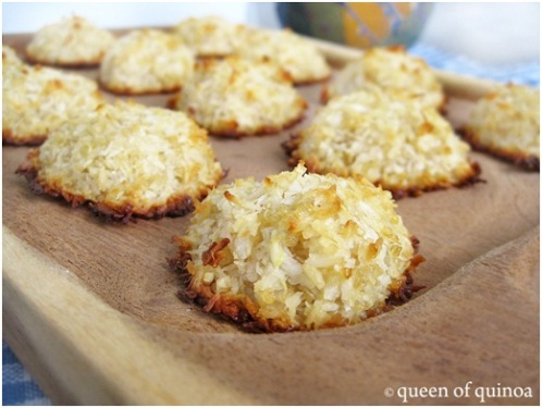 Quinoa Coconut Macaroons and 25 Quinoa Dessert Recipes - MyNaturalFamily.com #quinoa #recipe