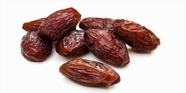 buah kurma kering, tamar kering, kelebihan buah kurma, kelebihan memakan tamar, khasiat buah kurma