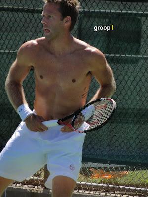 Robert Lindstedt Shirtless at Cincinnati Open 2010