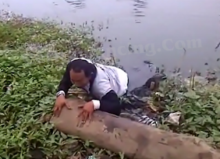 Gila Mancing Ikan Gabus Snake Head Sampai Masuk Lumpur Sepinggang