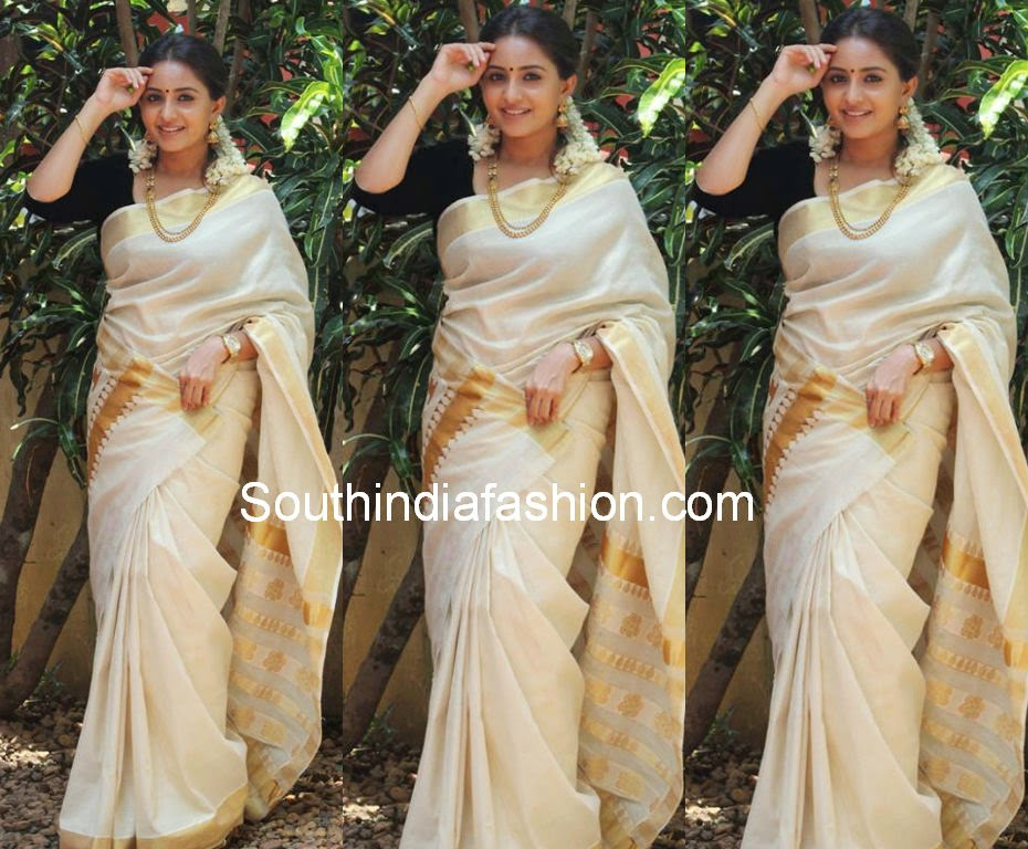 actress bhama latest saree photos