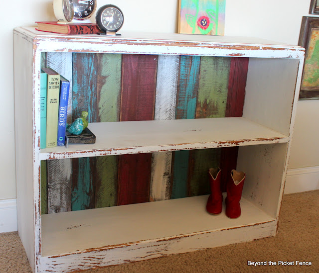 upcycled shelf reclaimed wood http://bec4-beyondthepicketfence.blogspot.com/2012/06/upcycling.html