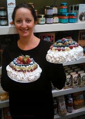 michelle with pavlovas