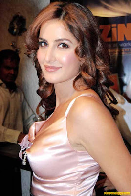 Katrina Kaif Hottest Foreign Actress in Bollywood_FilmyFun.blogspot.com