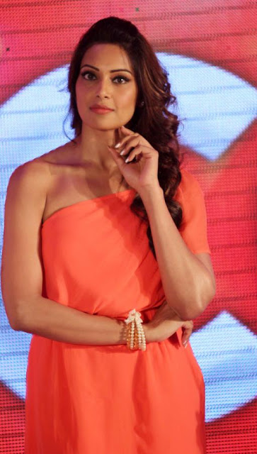 Bipasha Basu HOt And Spicy Stills