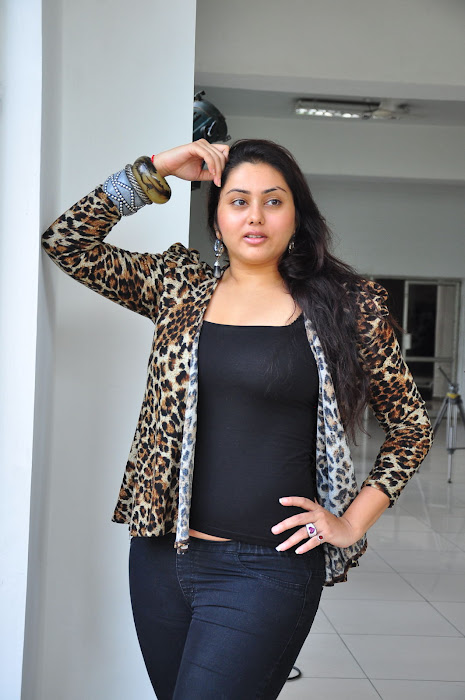 namitha spicy hot images
