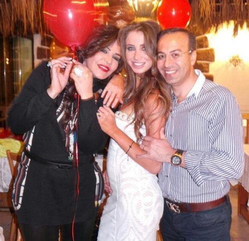 احلام وزوجها يحتفلان بعيد زواجهما برنامج ايدول الموسم الثاني 3.jpg