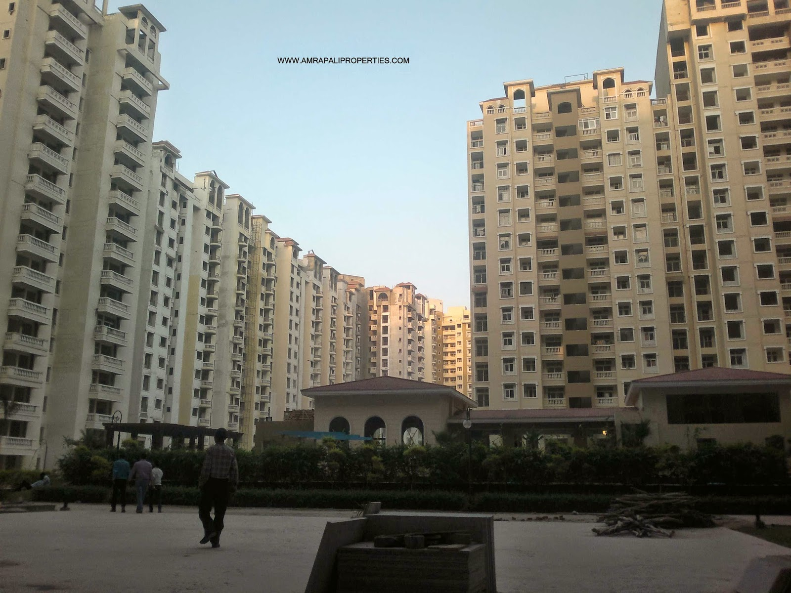 Amrapali Silicon City :: Construction Status September 30, 2014