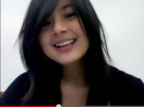 Lipsing Gadis Filipina Lucu Bikin Ngegemesin