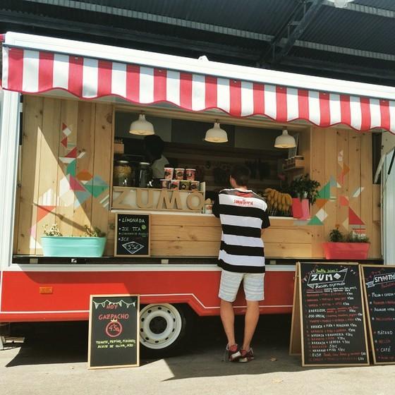 imagen_burgos_tribu_festival_food_truck_comida_septiembre_caravana_zumos_limonada_frutas