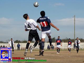 Kelvin Almosny avanza a 5ta división con Tigre en Argentina