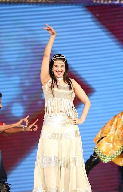 Actress Saloni  Dance Performance at Gama Awards 18.JPG