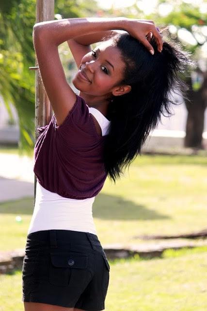 Miss World Belize 2013 winner Idolly Louise Saldivar