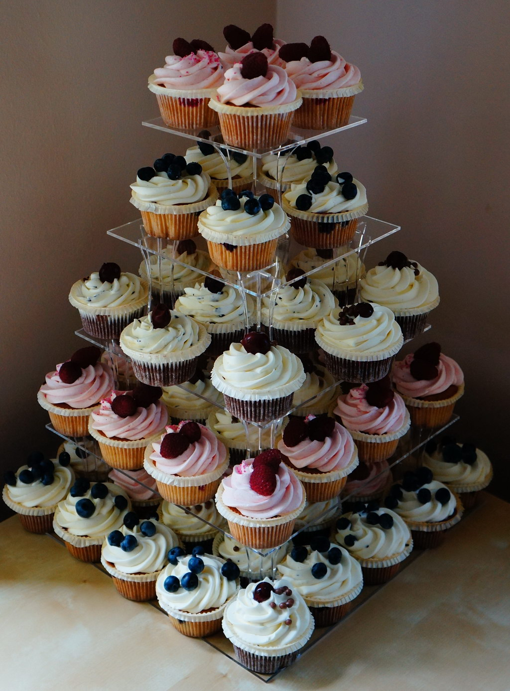 london patisserie wedding cupcakes cake. Black Bedroom Furniture Sets. Home Design Ideas