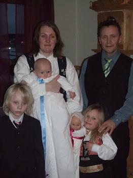 Ingrid og Terje med familien.