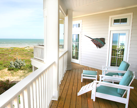 Coastal porch decorating ideas for the summer completely for Beach porch ideas
