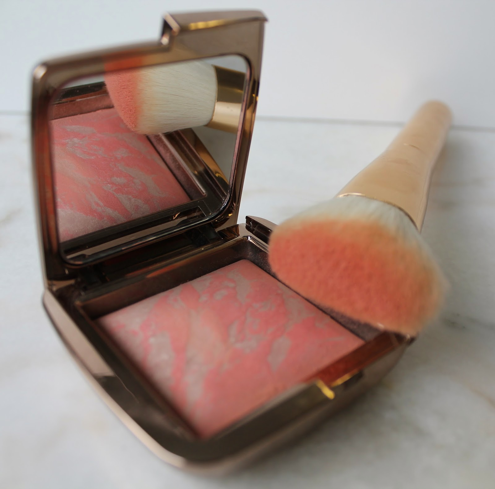 Hourglass: Ambient Lighting Blush – Dim Infusion