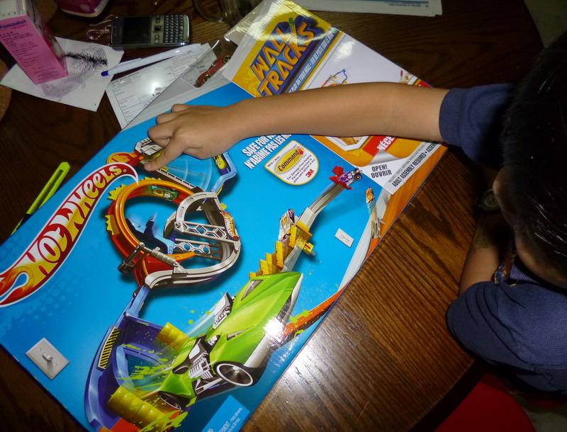 Kiddothings Hot Wheels Wall Tracks Starter Set A Review