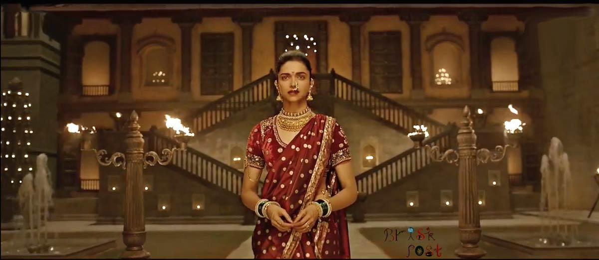 Deepika Padukone entering in Pinga song set of Bajirao Mastani movie