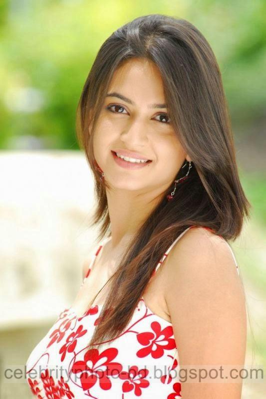 Actress%2BKriti%2BKharbanda%2BHot%2Band%2BSpicy%2BStills%2BPhotos%2BCollection005